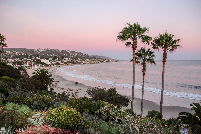Yoga, surf and sand ved Laguna Beach