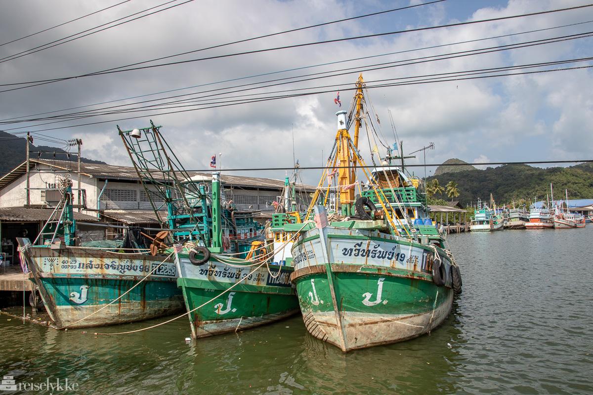 Fiskebåter i Khanom
