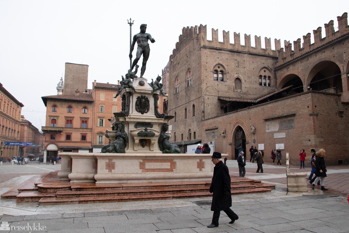 Neptun-fontenen, Bologna