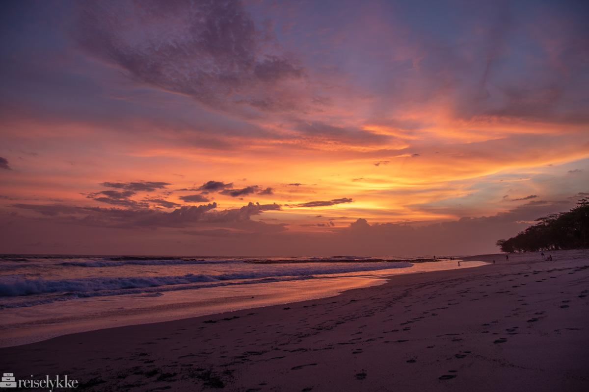 En himmel i brann_Playa Santa Teresa