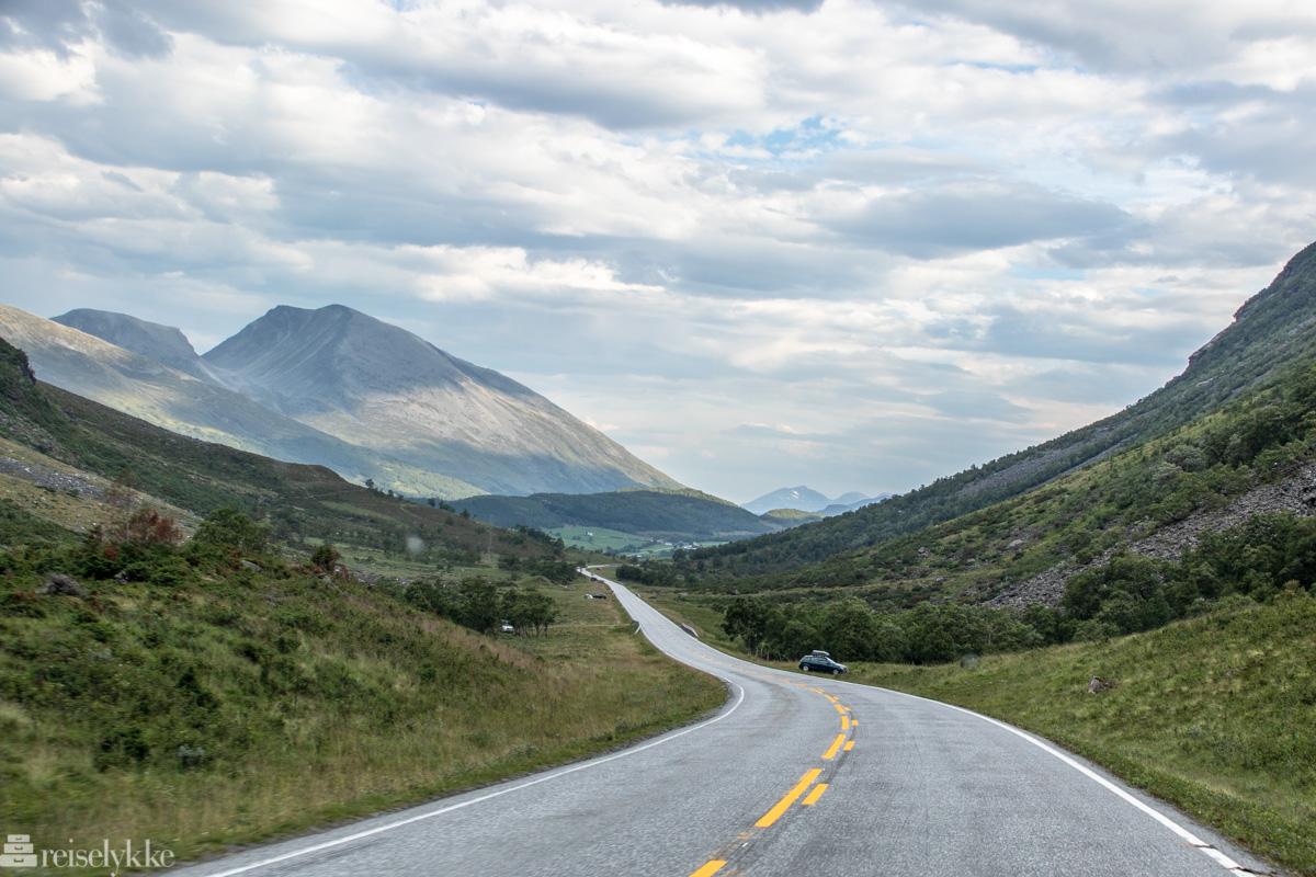 Biltur mot Trollstigen