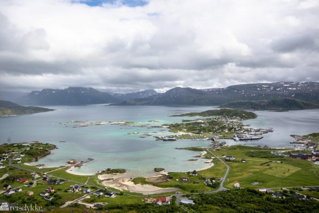 Sommarøy sett fra Hillesøy fjell