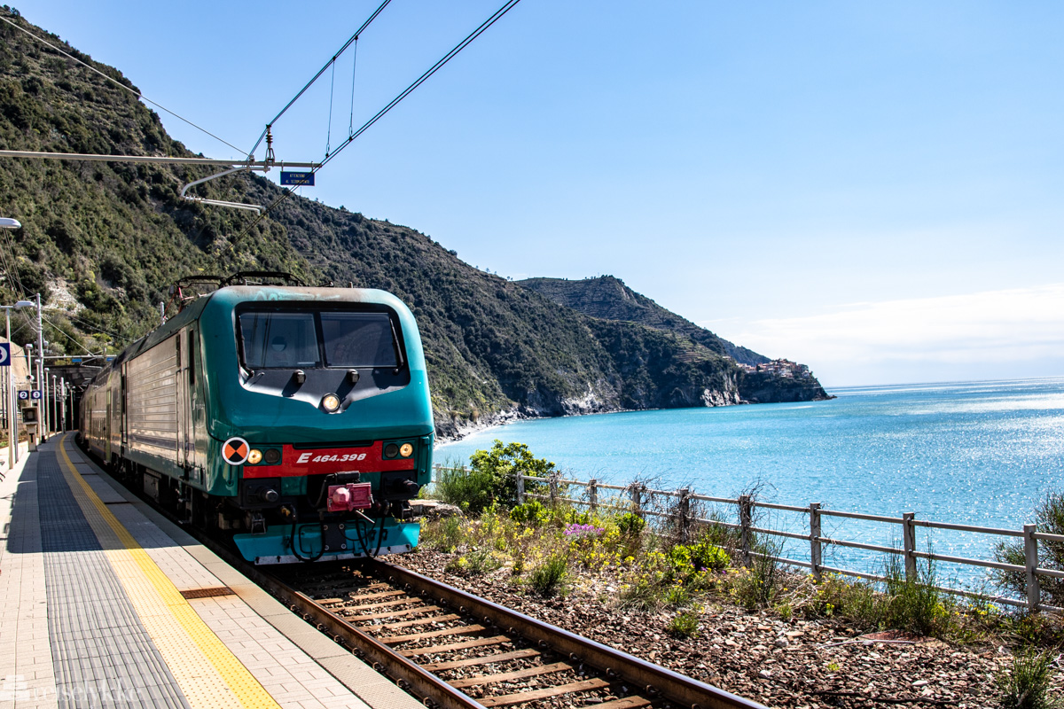 Bilde av tog, illustrasjon til artikkelen
