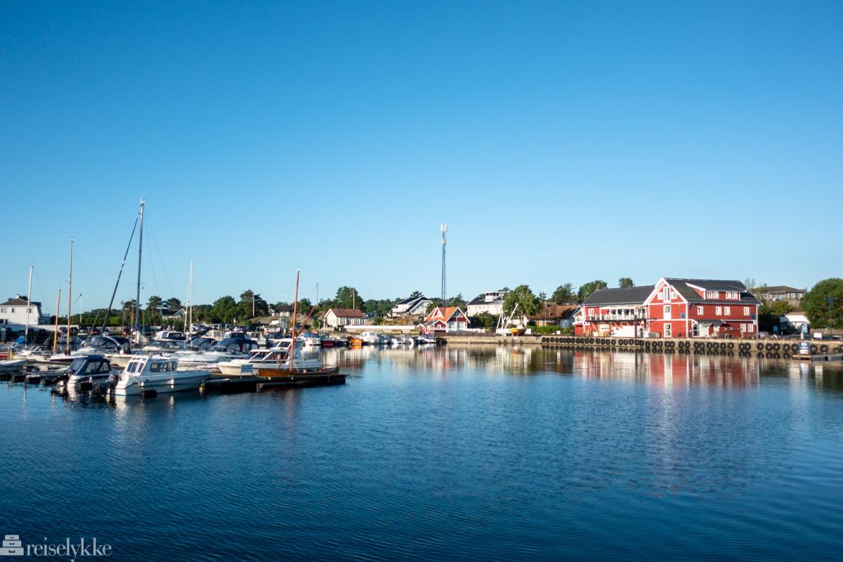 Sandøsund havn, Hvasser