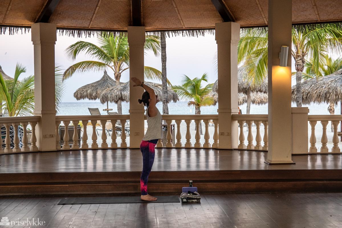 Yoga med Carina på Manchebo
