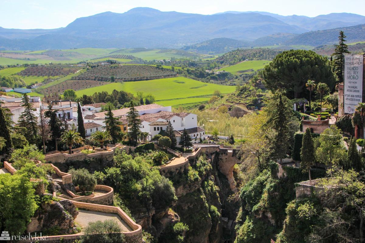 Magiske Ronda med svingete veier og utsikt mot vinmarker