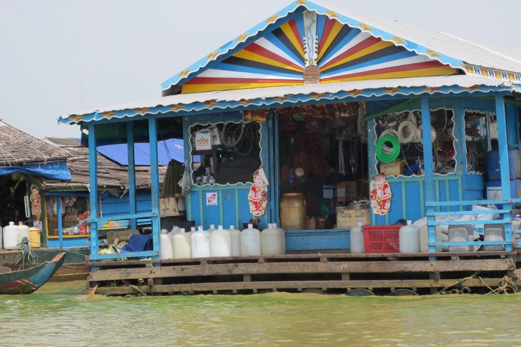 Butikk i Chong Khneas, flytende landsby