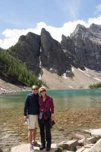 Eirin og Tormod ved Agnes Teahouse i Lake Louise Foto: privat