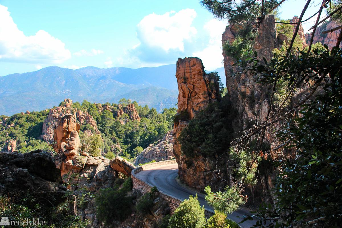 Bilvei gjennom Calanques de Piana på Korsika