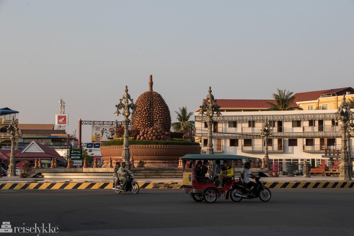 Durian rundtkjøring i Kampot, Kambodsja