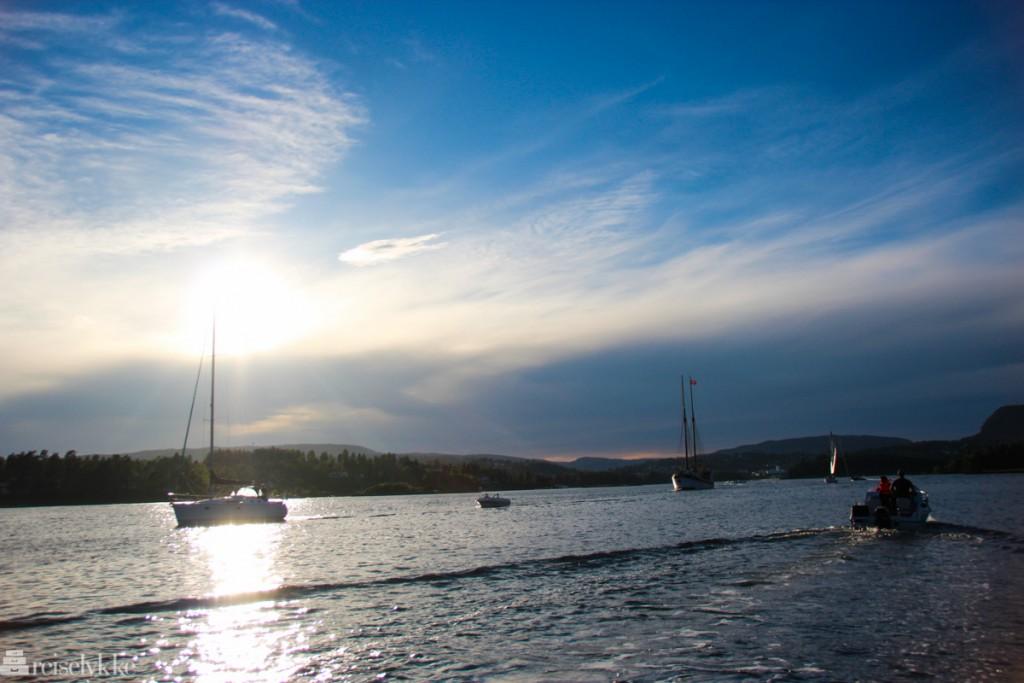 Favoritter i Oslofjorden: båter i solnedgang