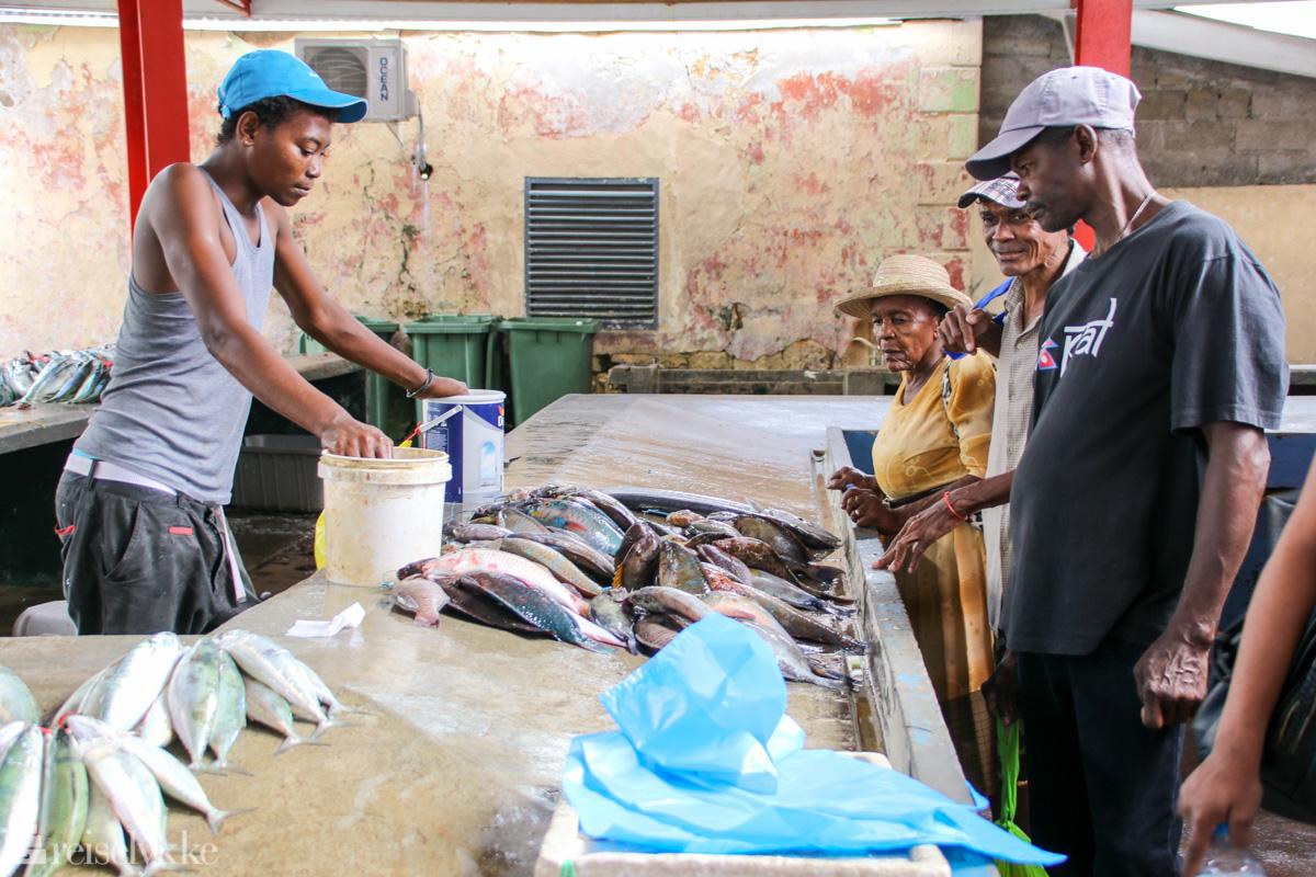 Fiskemarkedet Sir Selwyn Selwyn-Clarke Market i Victoria Mahé Seychellene