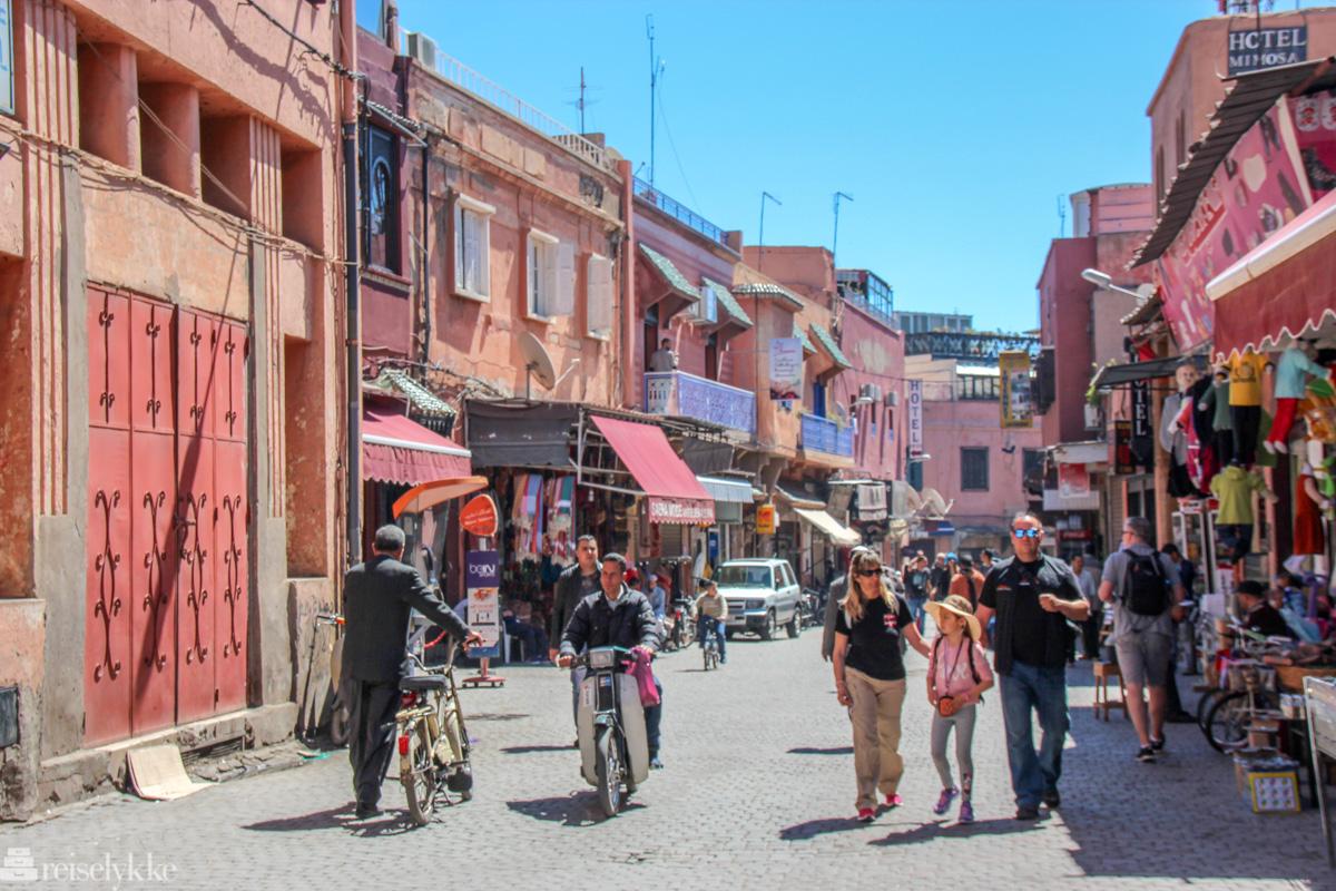 Gatelangs i Marrakech
