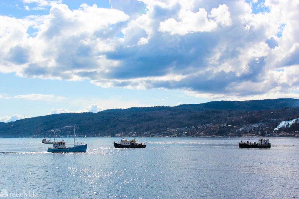 Drøbak: fiskebåter på vei ut i fjorden
