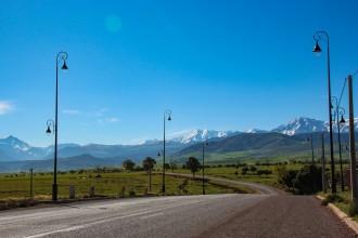 Reiselykke langs veien i Ourika-dalen i Marokko