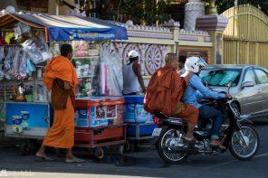 Munker i fart, Phnom Penh