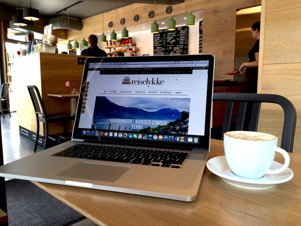 Nettsikkerhet på reise: på café med usikret nettverk