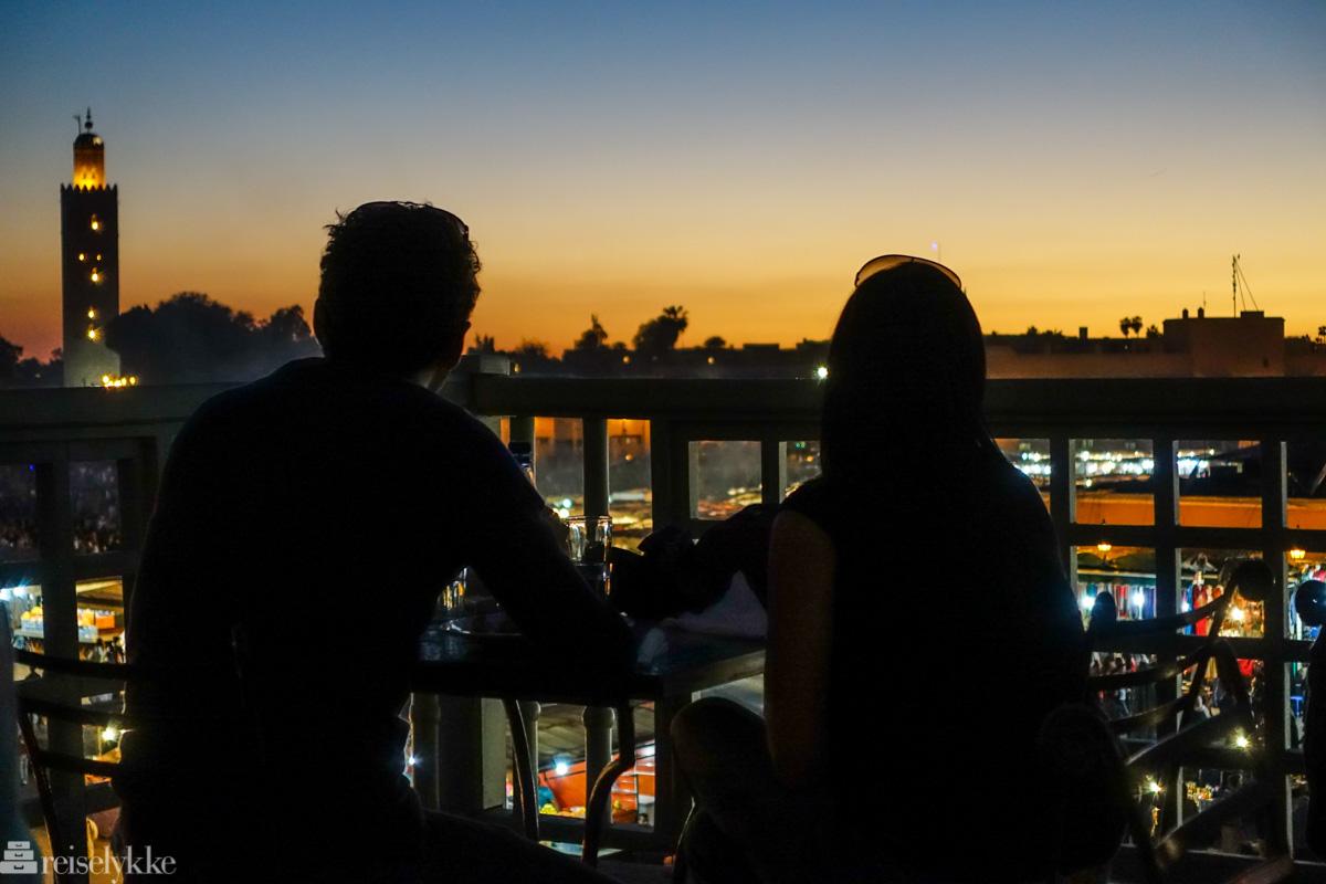 Romantiske reisemål: par i Marrakech