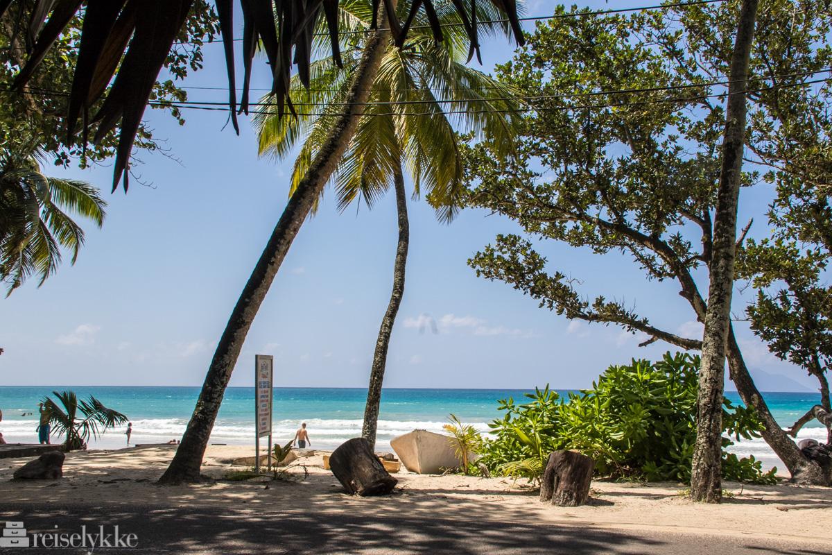 Stranden ved Beau Vallon Mahé Seychellene