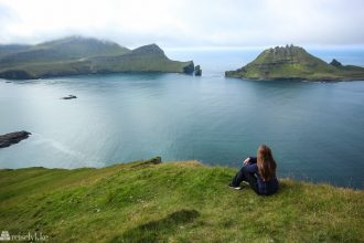 Utsikt mot Tindhólmur på Færøyene